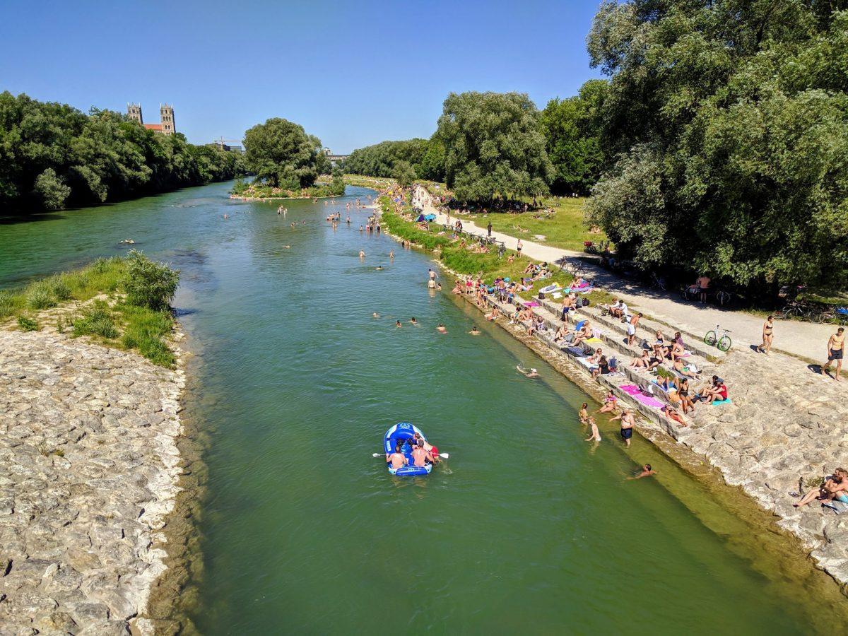 The River Isar flows through the Munich city center. Summer 2019